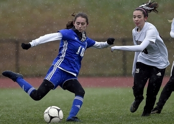 Lyme-Old Lyme girl's soccer moves past Canton in CIAC tournament | November 12. 2019 | 12 Photos