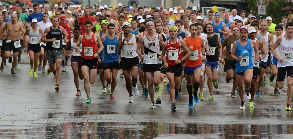 Runners begin the 52nd annual Ocean Beach/John & Jessie Kelley Road Race at Ocean Beach Park in New London, Saturday, Aug. 2, 2014