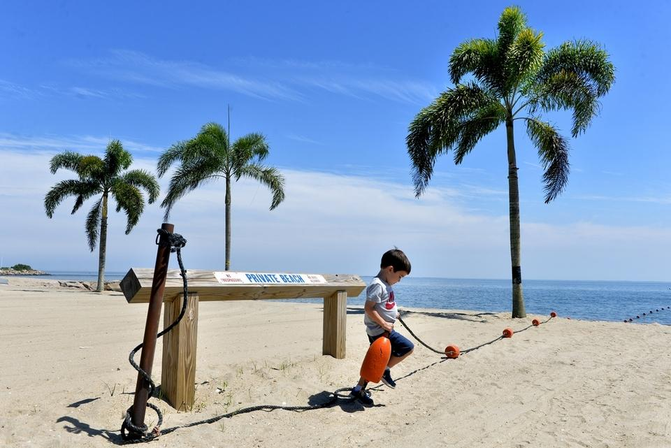 Tristan Montanaro 3 Of East Lyme Lifts Up A Buoy Line At White Sand