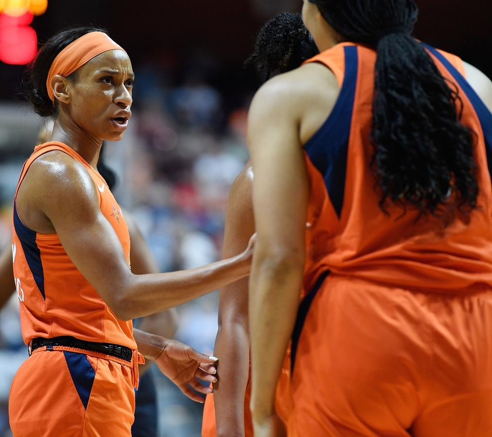 Connecticut Sun guard Jasmine Thomas gives instructions to her teammates during a timeout against the Atlanta Dream on Friday at Mohegan Sun Arena. The veteran guard and her teammates and had time to rest during a light July schedule and the upcoming WNBA All-Star break. (Sean D. Elliot/The Day)